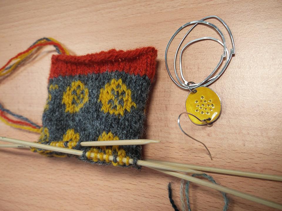 ...Jewelry translated into stranded colourwork...